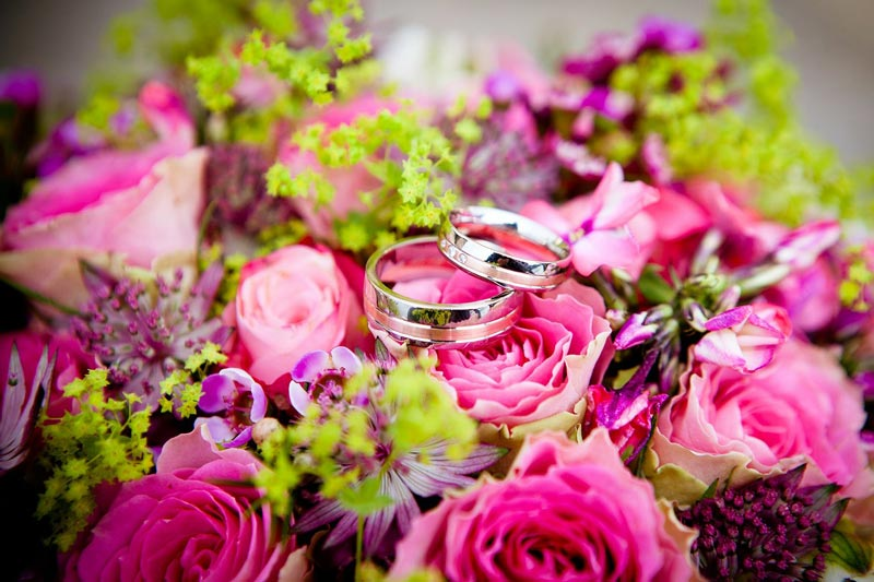 Ringe auf Brautstrauss